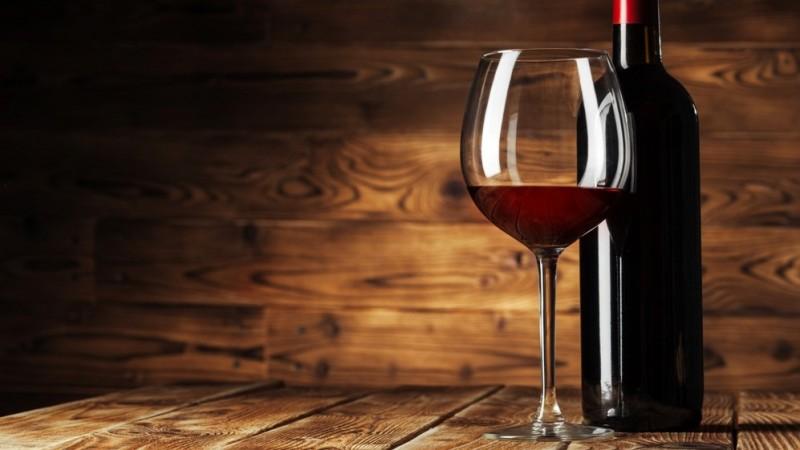 Hukum Menjual Minuman Keras kepada Non-Muslim