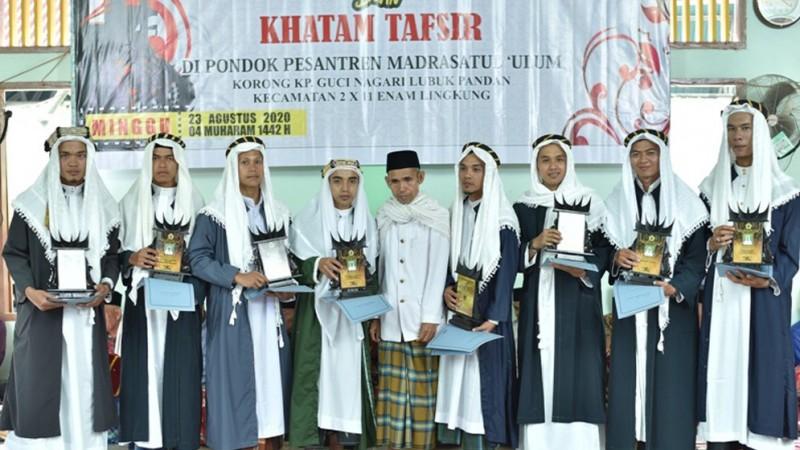 Wisuda Santri Madrasatul Ulum Padang Pariaman, 6 Alumni Jadi Tuanku