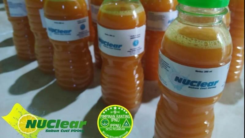Manfaatkan Limbah Jeruk Peras, IPNU-IPPNU di Tegal Ciptakan Sabun Cuci Piring 'NUClear'
