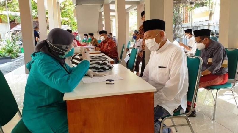 Ikhtiar Pesantren Tebuireng Jombang Memenuhi Protokol Kesehatan