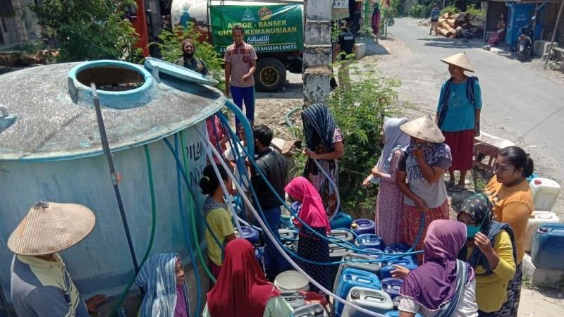 Ansor-Banser Rembang Salurkan Air Bersih ke Warga Terdampak Kekeringan