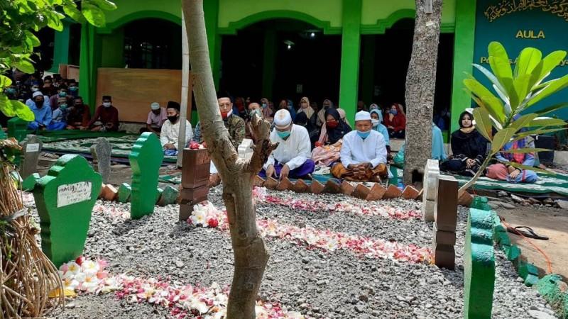 Haul KH Ahmad Zainal Mahmud Kendal,Teladan Kiai Haus Ilmu