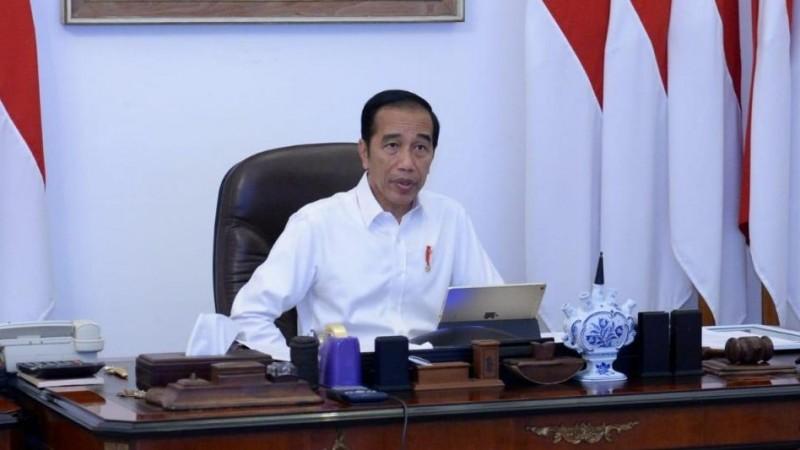 Di Tengah Derasnya Kritik, Jokowi Tetap Teken UU Cipta Kerja