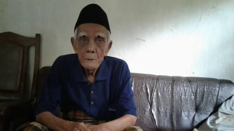 Dua Peluru Ayat Al-Qur'an yang Ditembakkan Kiai Uti Cirebon kepada Belanda