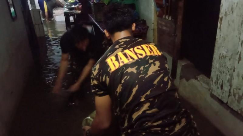 Hujan Lebat di Pringsewu, NU Peduli dan Banser Bantu Warga Terdampak Banjir
