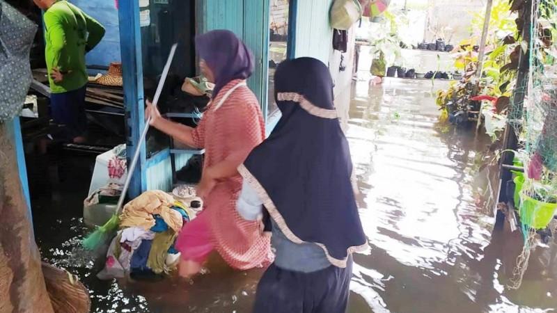 Banjir di Martapura Kalsel, SMKNU se-Jateng Salurkan Donasi untuk Korban