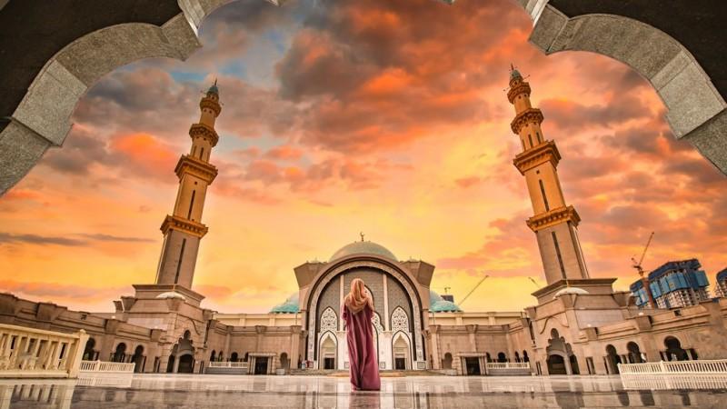 Penyebaran Covid-19 Terdeteksi, Saudi Tutup Puluhan Masjid
