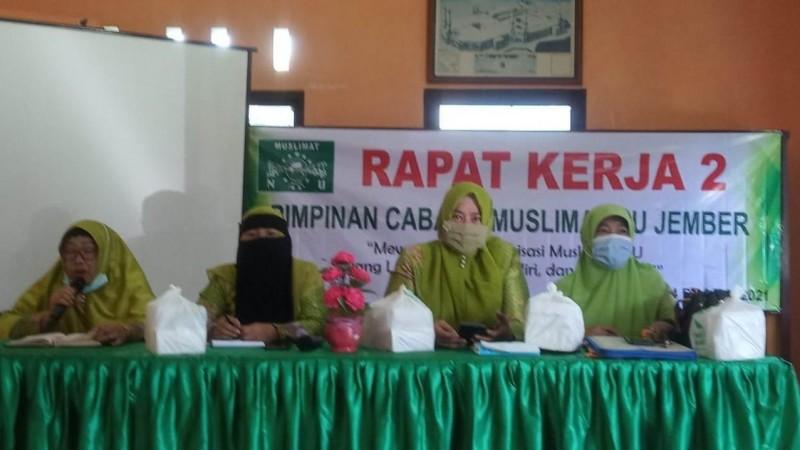Prihatin Banjir, Muslimat NU Jember Bakal Tanam Pohon