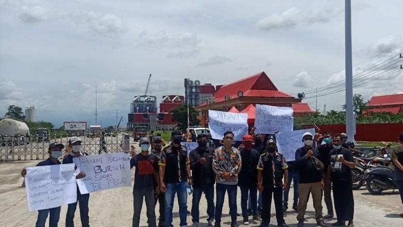 NU Kencong Desak Pemerintah Tuntaskan Kasus Pelarangan Shalat Jumat para Buruh Semen