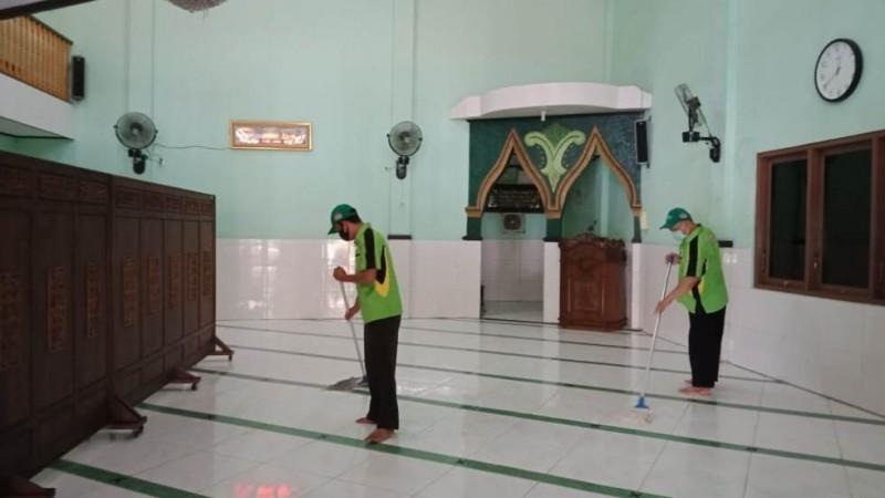 Bersih-bersih Masjid di Jateng, LTMNU Ingatkan Doa Umat Muslim