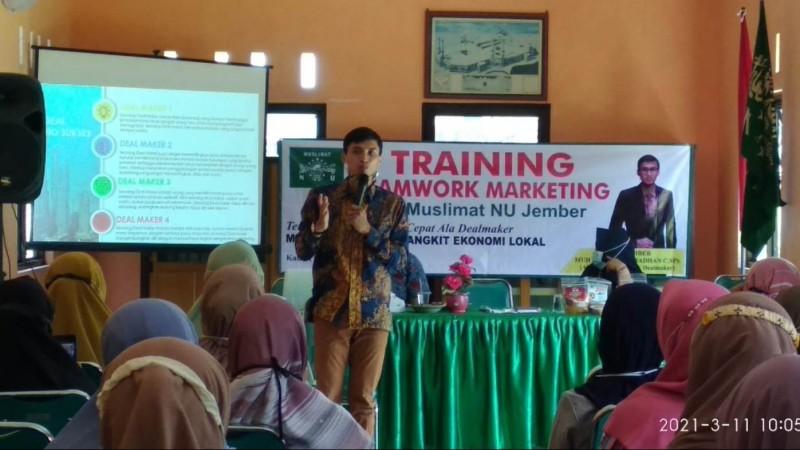 Muslimat NU Jember  Gelar Pelatihan Pemasaran Bisnis Online