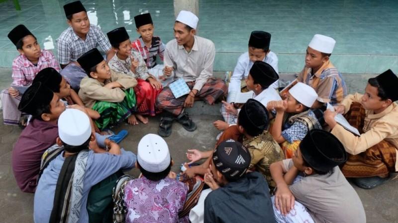 Gus Qoyyum Sampaikan Enam Alasan Pentingnya Jaga Pendidikan Agama
