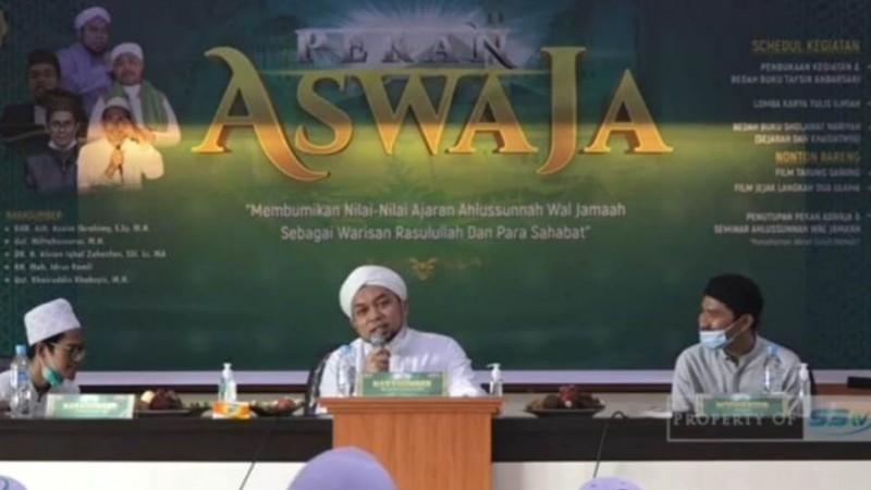 Bedah Buku Tafsir Anbarsari Ajak Santri Terapkan Nilai Al-Qur'an