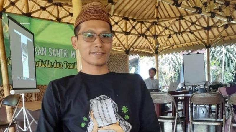 Raedu Basha: Sastra Pesantren Mengetuk Kesadaran Bangsa