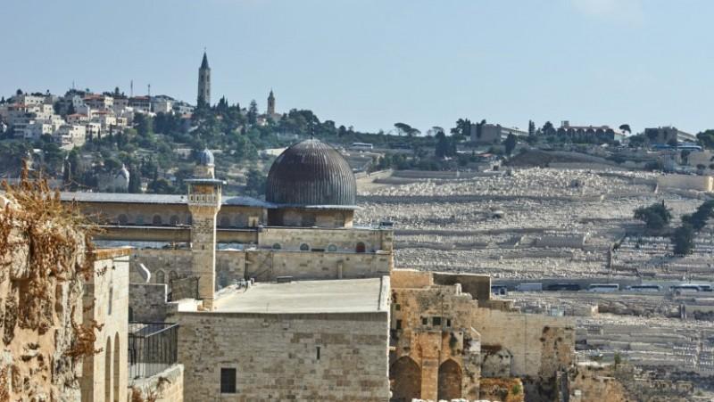 Gangguan Israel saat Ramadhan: Potong Kabel Speaker-Larang Ulama Masjid Al-Aqsa Bepergian