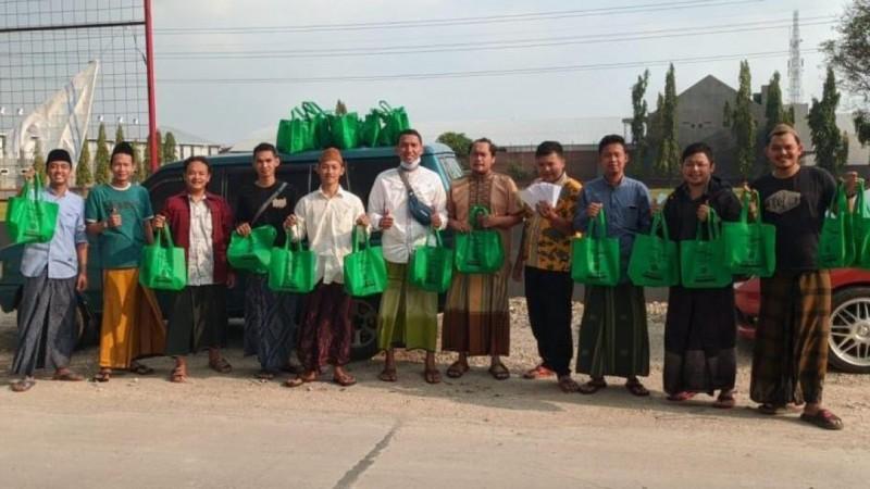Santuni Yatim Piatu, IKSAB TBS Kudus 2015Bagikan Yanbu'a dan Fasholatan