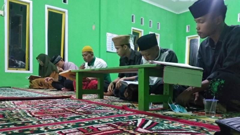 Darling, Cara Generasi Muda NU Pringsewu Pertahankan Tadarus di Masjid