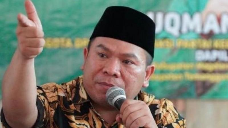 Ratusan WNA China Masuk Indonesia, Wakil Komisi II DPR: Ah, Embuh!