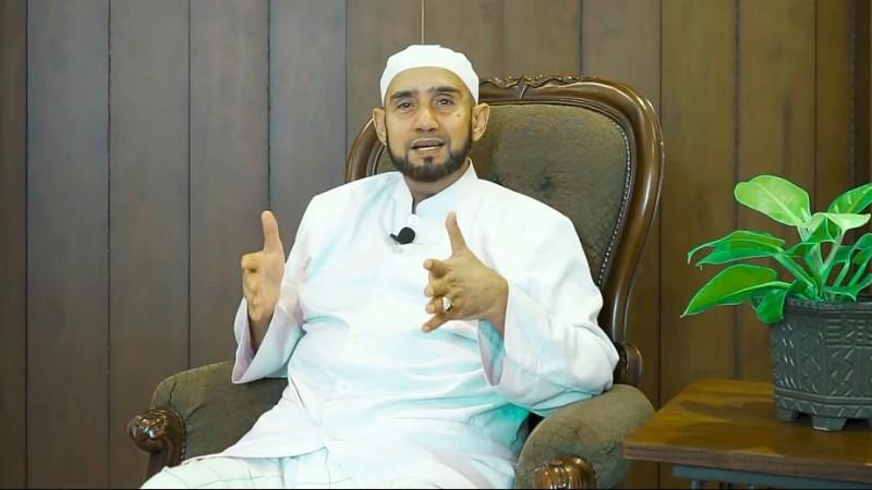 Habib Syech: Sambutlah Hari Raya dengan Iman yang Kuat!