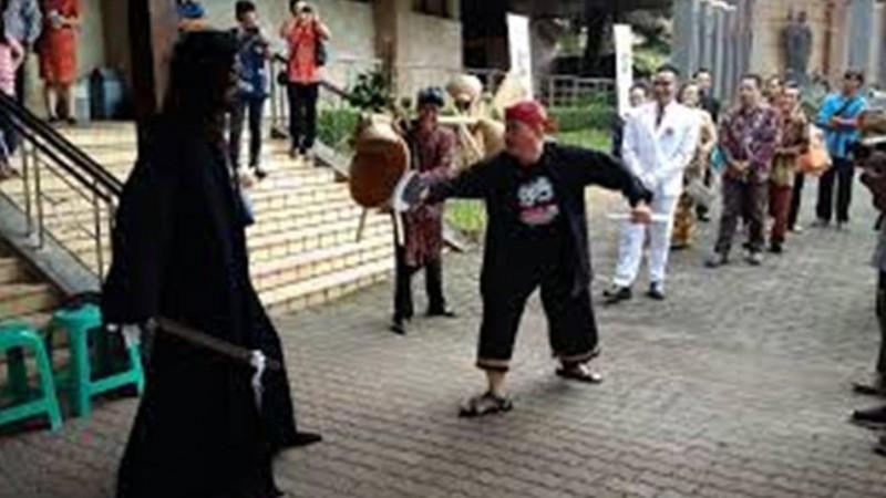 Uniknya Tradisi Lisan Masyarakat Berbahasa Ngapak di Jateng