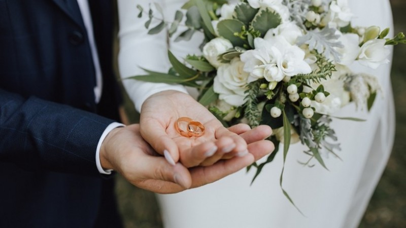 Pentingkah Memilih Pasangan yang Kaya?