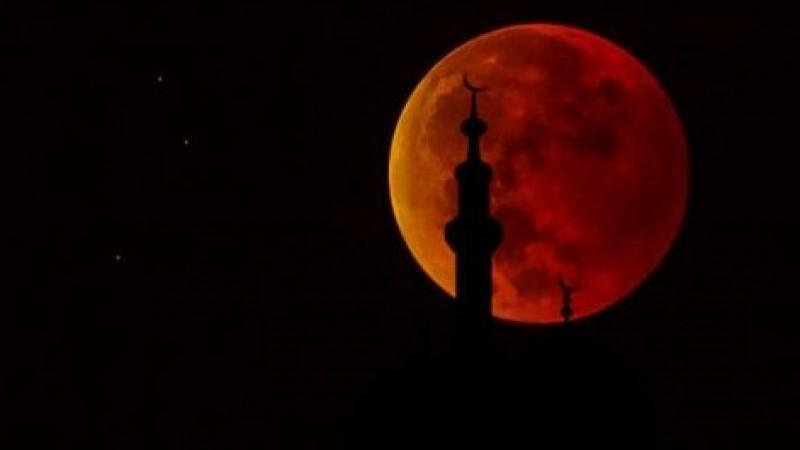 Penjelasan Kenapa Gerhana Bulan Total Berwarna Merah