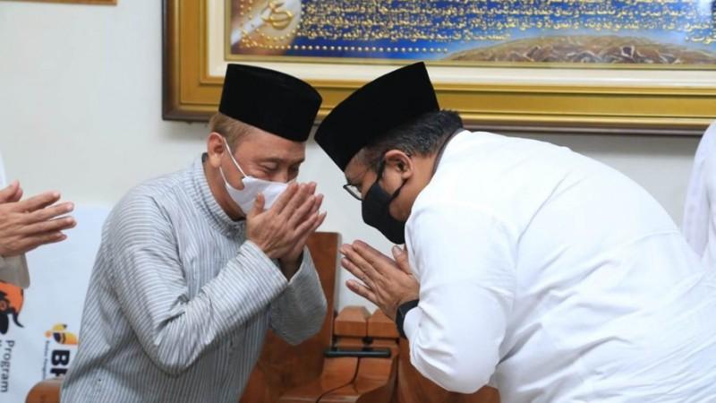 Menag Yaqut Silaturahim ke Kiai-kiai NU Mohon Doa Pandemi Segera Berakhir