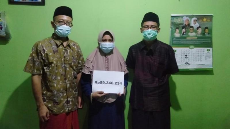 Donasi untuk Wapemred NU Online A Khoirul Anam Diserahkan kepada Keluarga