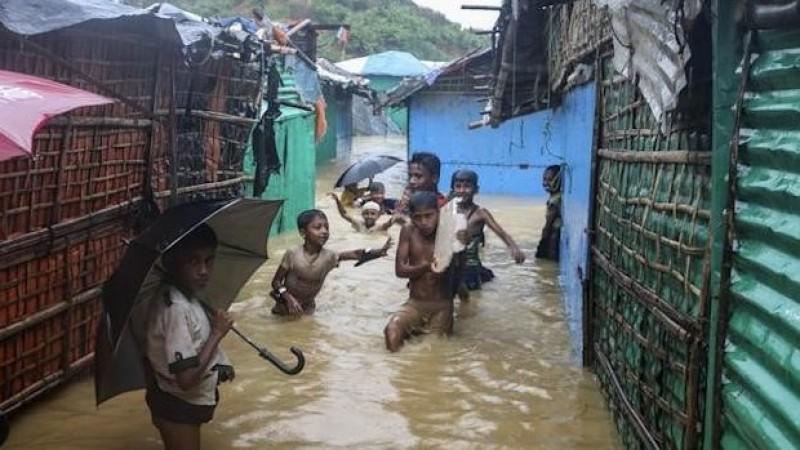 Kamp Pengungsian Dilanda Banjir, Muslim Rohingya Makin Terimpit Kesengsaraan