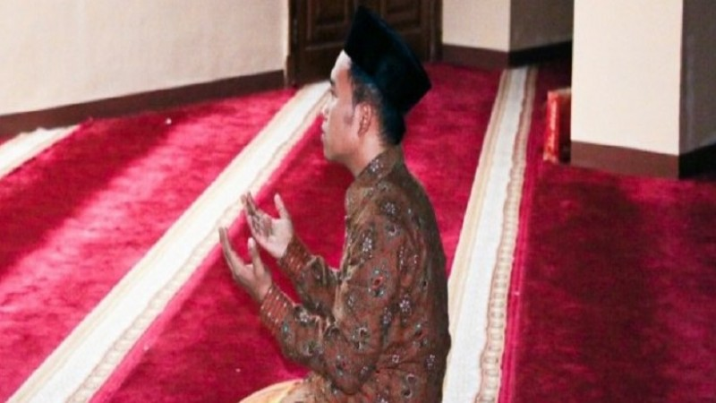 Prayer after Adhan (call to prayers)