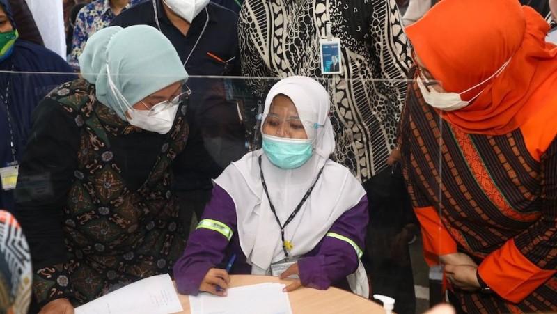 Berkunjung ke Semarang, Menaker Intip Langsung Rekening Pekerja