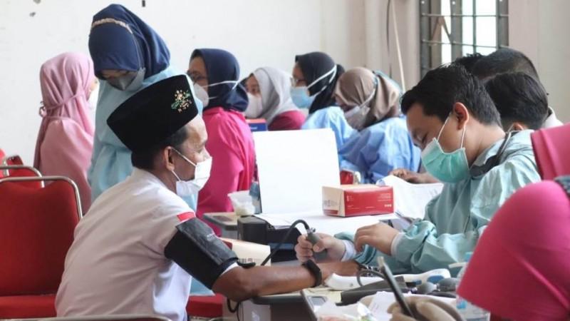 Seribu Santri Pasuruan Ikuti Vaksinasi LAZISNU