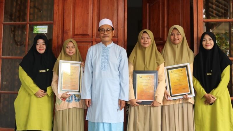 Ubah Kulit Semangka untuk Obat Diabetes, MA Model Zainul Hasan Genggong Raih Medali Emas Ajang Internasional