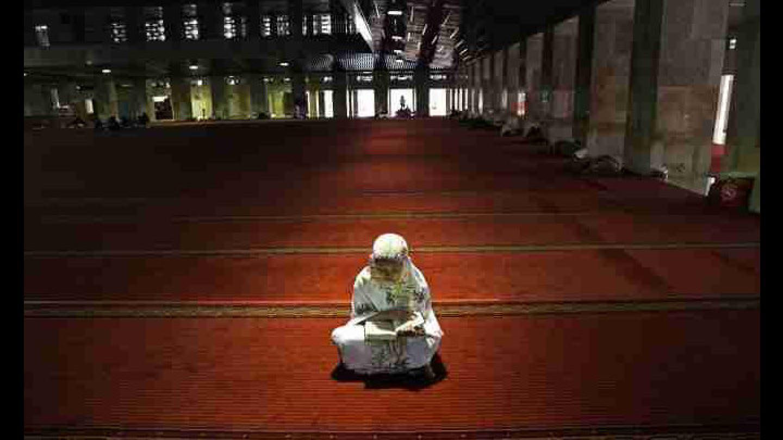 Menuju Allah dengan Syariat, Tarekat, dan Hakikat