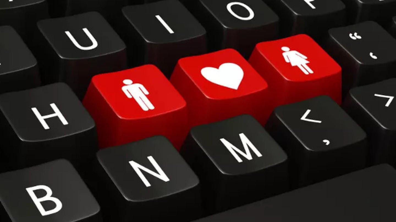 Bolehkah Cari Jodoh Lewat Media Sosial?