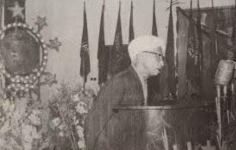 KH Wahab Chasbullah's statement of Waliyyul Amri Dharuri Bissyaukah