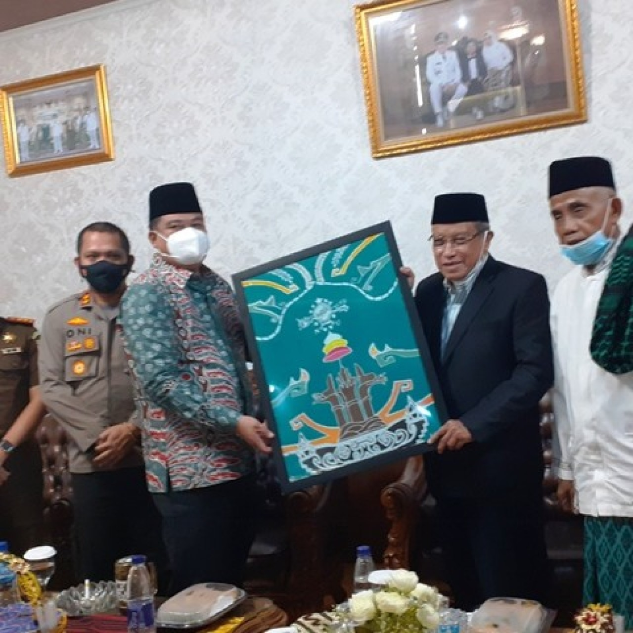Bupati Lampung Tengah Buat Batik Khusus untuk Muktamar NU
