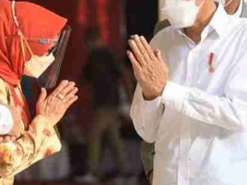 Presiden Joko Widodo Tinjau Langsung Proses Vaksinasi Tokoh Agama di Jombang