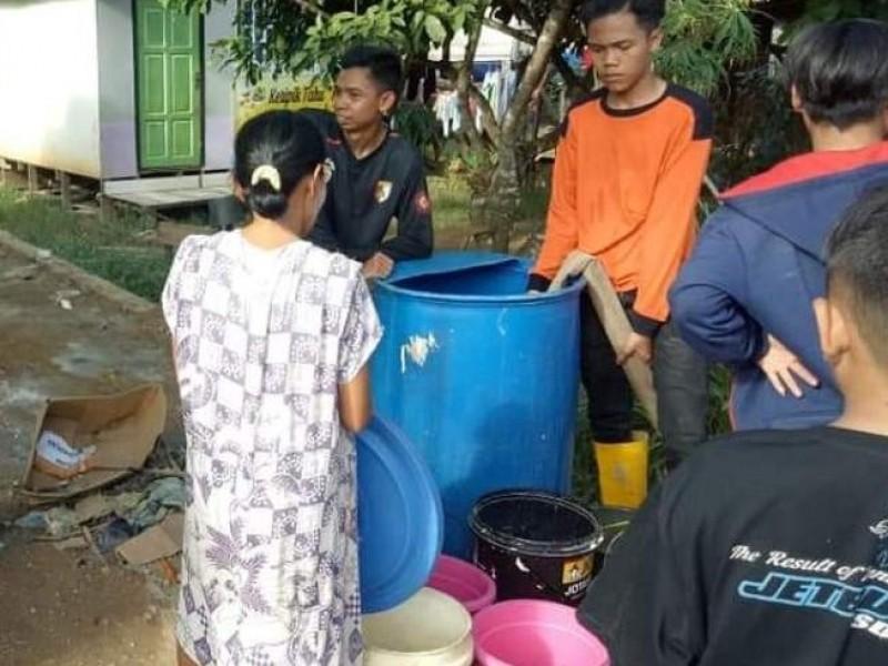 Banser Kalsel Distribusi Air Bersih ke Kabupaten Hulu Sungai Tengah
