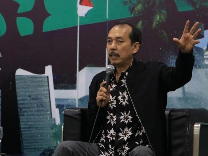 FPKB: Anggota DPR Tak Perlu Eksklusif Minta Isoman di Hotel