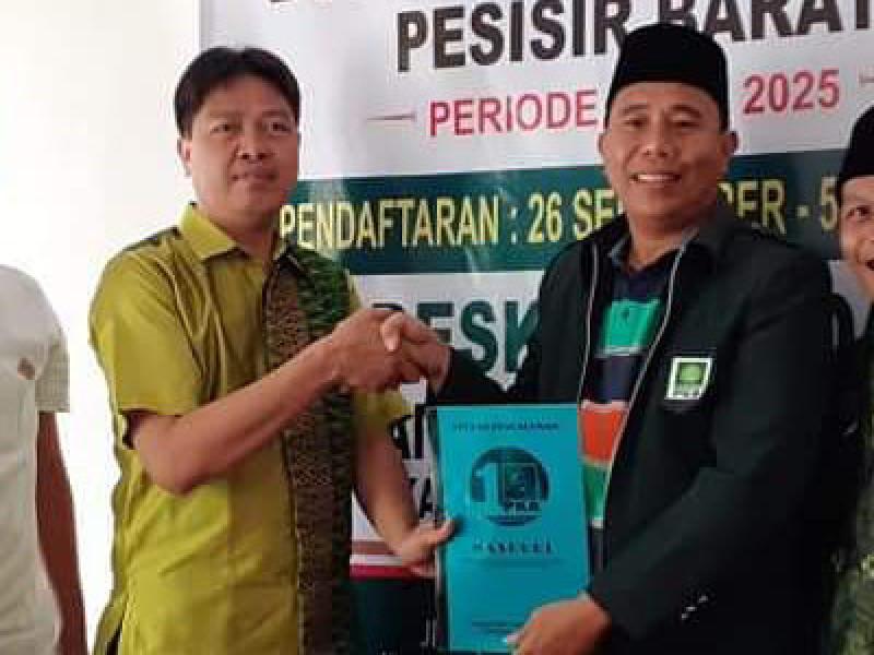 Tokoh Muda NU Mashuri Kembalikan Berkas Pencalonan Wakil Bupati Pesibar