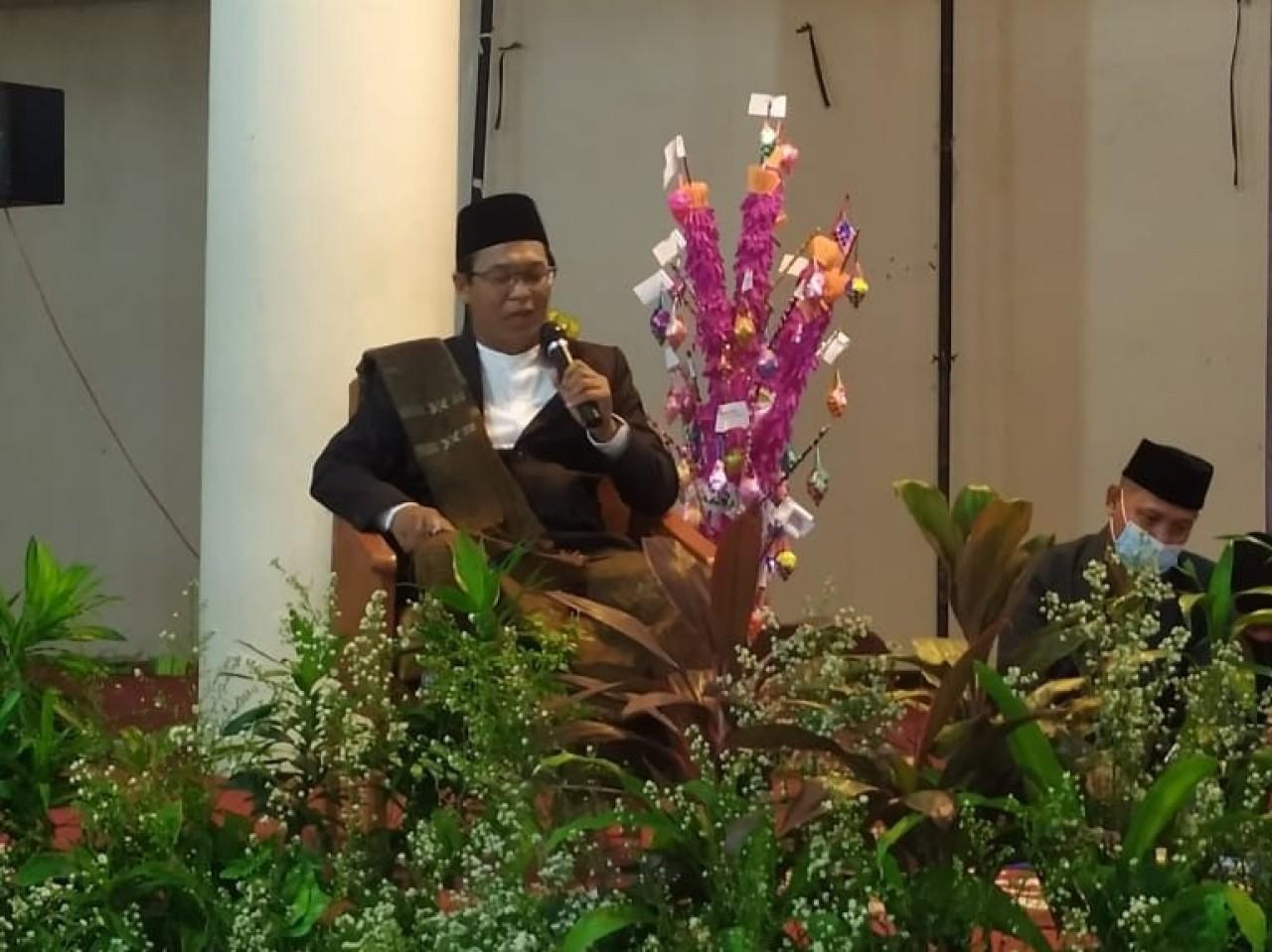 Cerita Gus Ishom yang Tidur Hanya 1,5 Jam Karena Sibuk Persiapan Muktamar Lampung