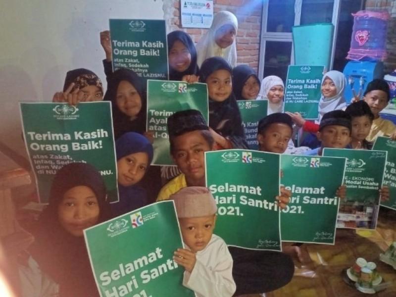 Berbagi Mushaf Al-Qur'an di TPA, Cara NU Care LAZISNU Makassar Meriahkan Hari Santri