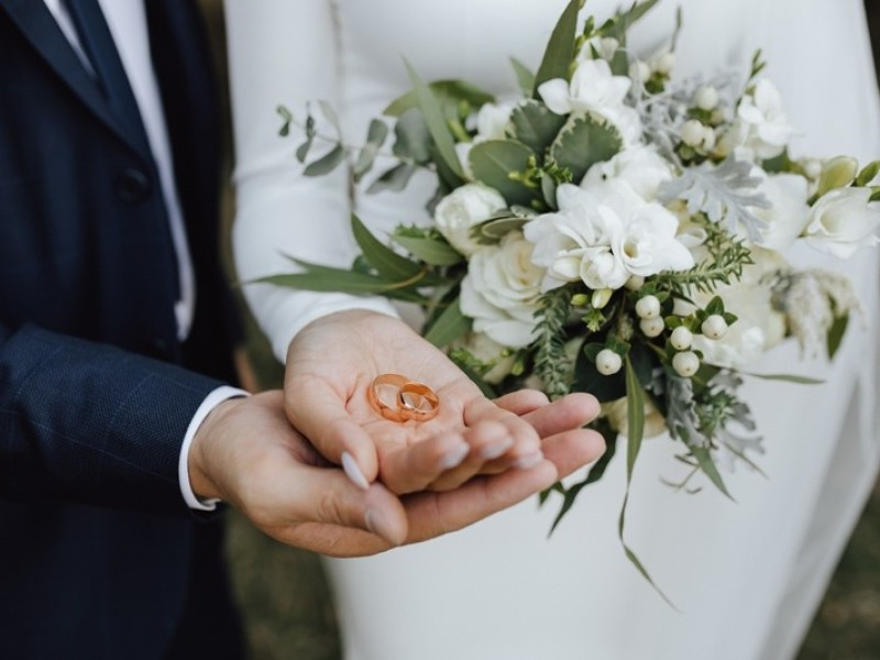Hukum Menikahi Ibu Tiri dari Istri alias Mertua Tiri