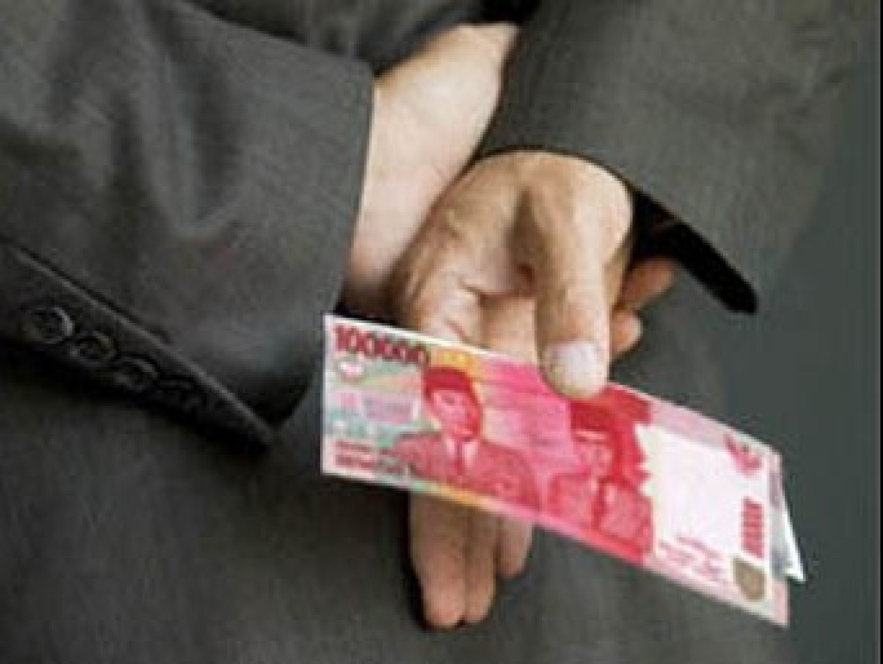 Setor Uang ke Atasan Agar Naik Pangkat, Bolehkah?