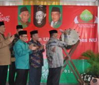 Kang Said Pukul Bedug Peresmian Munas-Konbes 2012
