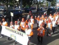 Ribuan Warga Meriahkan Gerak Jalan UIM