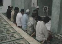 Tarawih di Masjid Tua Korban Lapindo Ini Sepi Jamaah