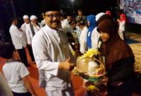 PKL Alun-alun Jombang Santuni 300 Anak Yatim