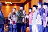 Kemenag Beri Penghargaan pada Pionir dan Teladan Pendidikan Islam